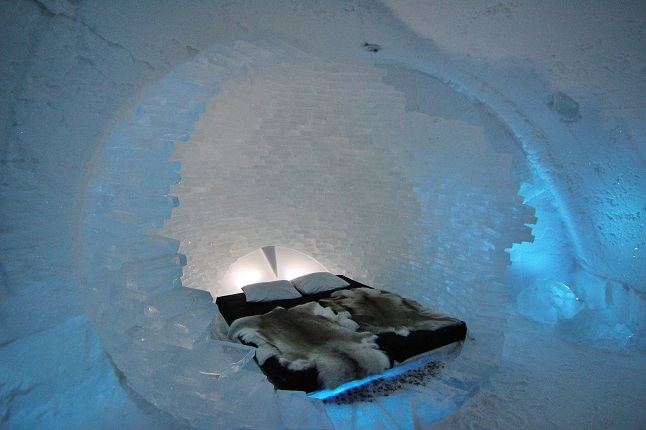 An ice art-suite in the 2014 Ice Hotel. credit@gemma_IceBedroom.