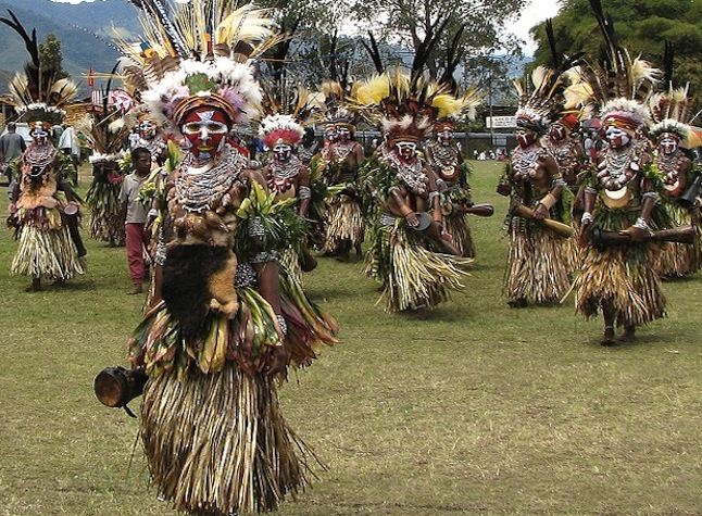 Mount Hagen Women credit@ Kahunapule Michael Johnson via flickr.com
