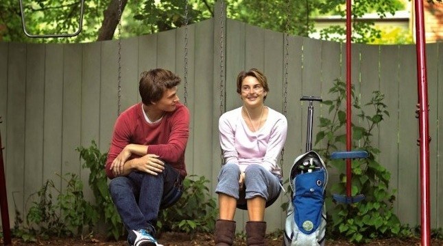 Hazel and Augustus  share a moment Credit@20th Century Fox