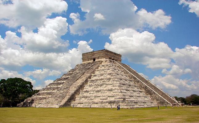 El Castillo pyramid in Chichén Itzá. Credit@ Bjorn Christian Torrissen via Flickr.com