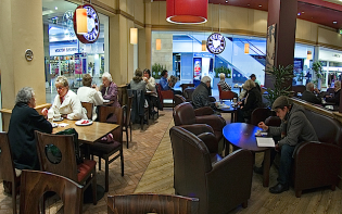 Allegra forecasts the total UK coffee shop market will exceed 20,500 outlets and turnover of £8.7 billion by 2018. Image credit - @Paul Heskesviaflickr.com