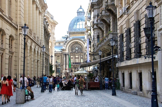 The Romanian architecture adds to the city atmosphere. Credit@ Marion Sanchez Prada
