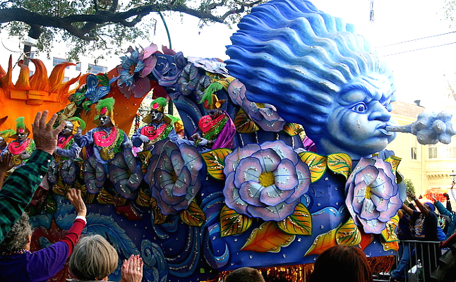 Krewe of Rex showing off its parade theme. Credit@markabelviaflickr.com