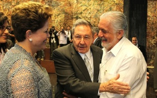 Cuban President Raul Castro (Centre) has promised electoral form although what these reforms may involve is yet to be announced. Credit@Fotos GOVBA.