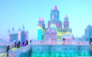 Ice sculptures at Harbin Ice Festival.Credit@jarodcarruthers.flickr.com