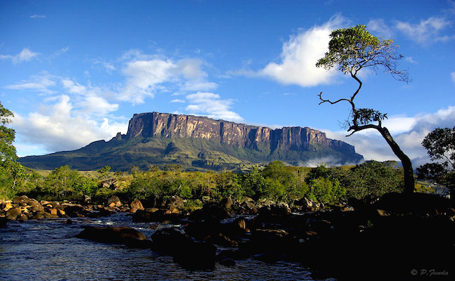 Mount Roraima in Venezuela.Credit@peterfenda.flickr.com