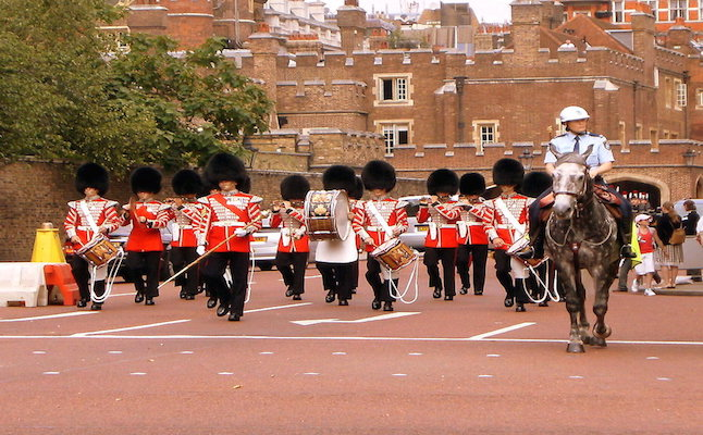 Changing of the guard at Buckingham Palace. Credit@valcreon.deviantart.com