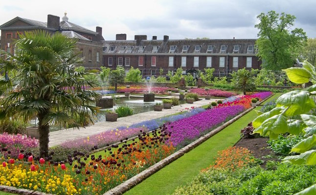 Kensington Palace Gardens. Credit@commons.wikimedia.org