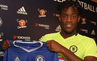 Michy Batshuayi signing for Chelsea. Credit @tumblr.com