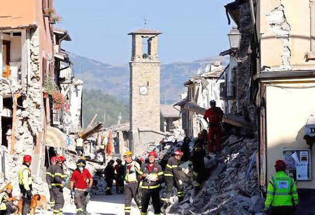 Rescue efforts after earthquake in Italy. Credit@newsgram.com
