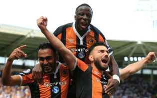 Hull City celebrate their winning goal versus Leicester. Credit @tumblr.com.