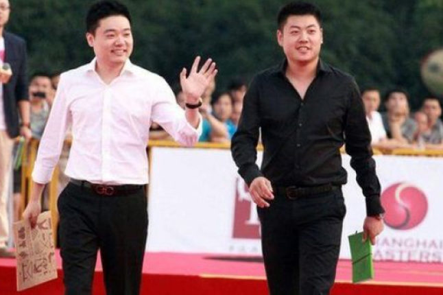 Liang Wenbo pre-tournament with Ding Junhui. Credit @pinterest.com.