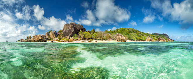 Beautiful Seychelles beach at La Digue