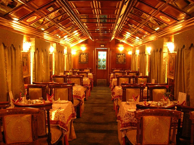Luxury train Palace on Wheels. credit - amazinghind.com