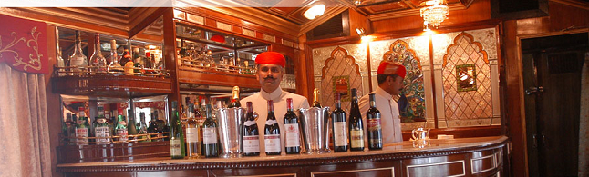 A plush bar inside the luxury train Palace on Wheels. credit - palaceonwheels.co.uk