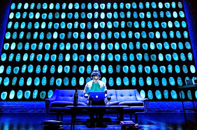 Digital audience participationCredit@Donmar Warehouse Facebook page