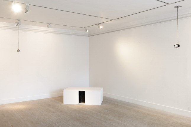 John Wynne, Installation #3 for high and low frequencies, 2014
