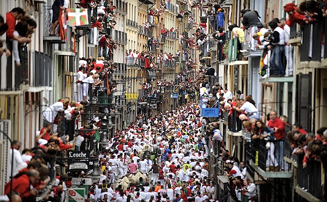 the fifth day of the San Fermin Festival bull run in Pamplona Credit@-teakdoor.jpg