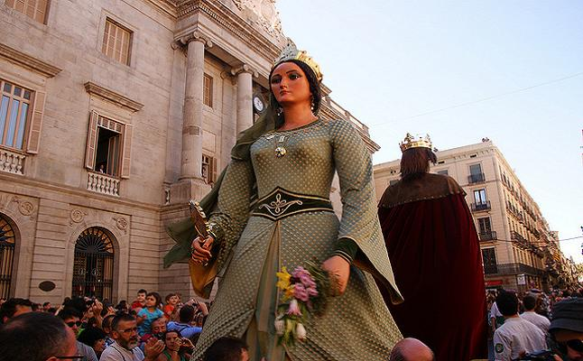 Gegants, Giant effigies on the streets of St Jaume square. Credit@ Stasiu Tomczak via Flickr.com