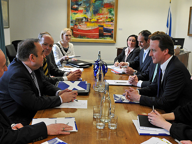 David Cameron and Alex Salmond discussing Scottish independence. credit@No10downingstreet