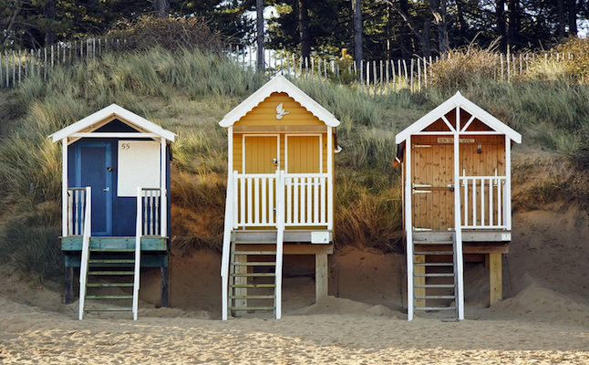 Lovely beach cottages! Credit@ Badger of the Bank