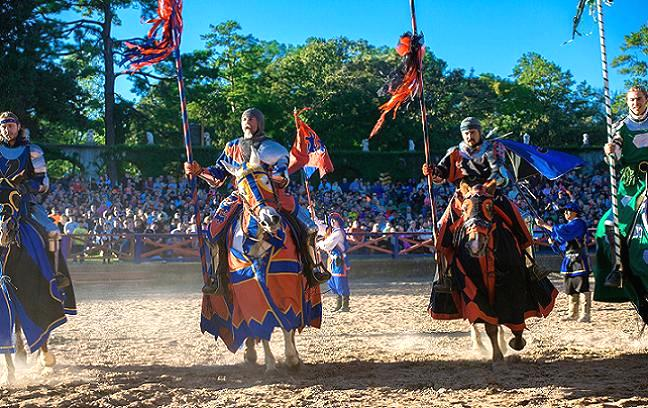 Opening ceremony of the Jousting competition. Credit@ texrenfest.com