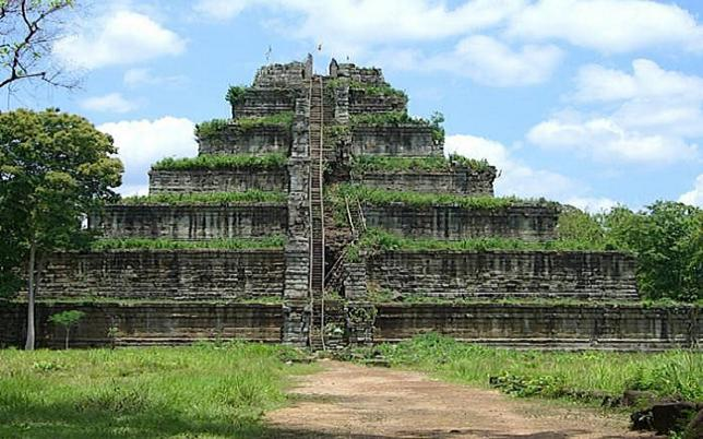 The Koh-ker temple, surrounded by the jungles of Cambodia. Credit@ tourismcambodia.com