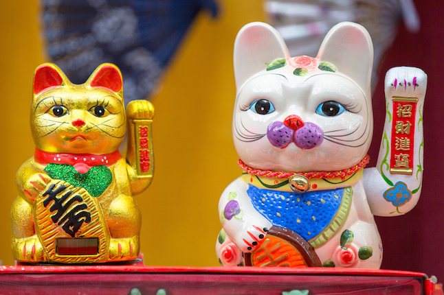 Chinese lucky cats.Credit@IQRemix.flickr.com