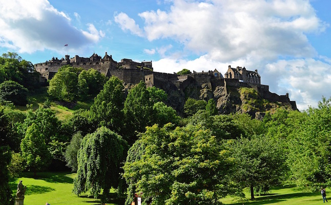 Edinburgh castle. Credit@pixabay.com