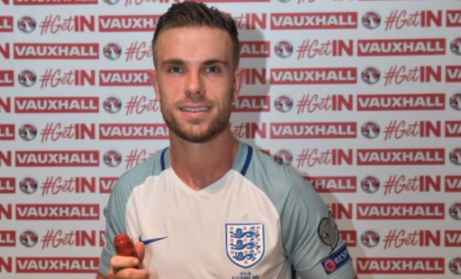 Jordan Henderson celebrates his man of the match award for his performance versus Malta. Credit @tumblr.com.