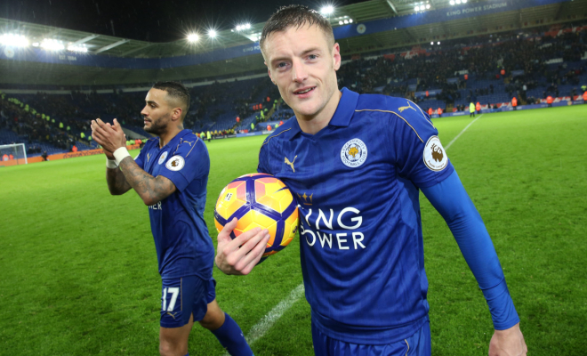 Jamie Vardy celebrates his hat-trick with the match ball. Credit @tumblr.com.
